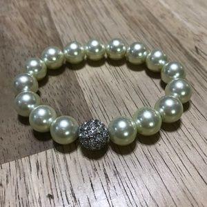 Stella & Dot White Pearl Bracelet